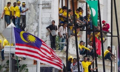 Malaysian Poll Disappointment Would be Risky to Tycoons Southeast Asia
