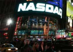 NASDAQ Loosing Ground on Wall Street Due to String of Digital Mishaps
