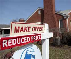 Mortgage Rates Inch Higher, 30-Year Remains Under 4%