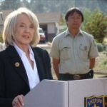 Jan Brewer signs legislation that aims to stop human trafficking