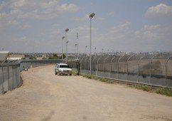 US-Mexico_border_fence-620x435