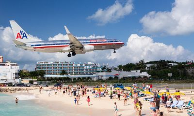 airplane landing at princess juliana airport
